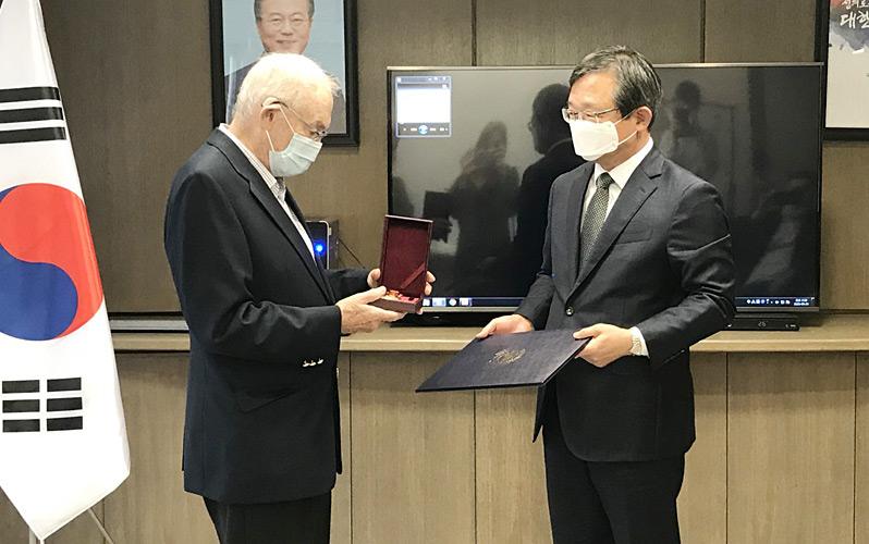 대한민국 독립유공자 베이컨 대위 건국훈장 수여