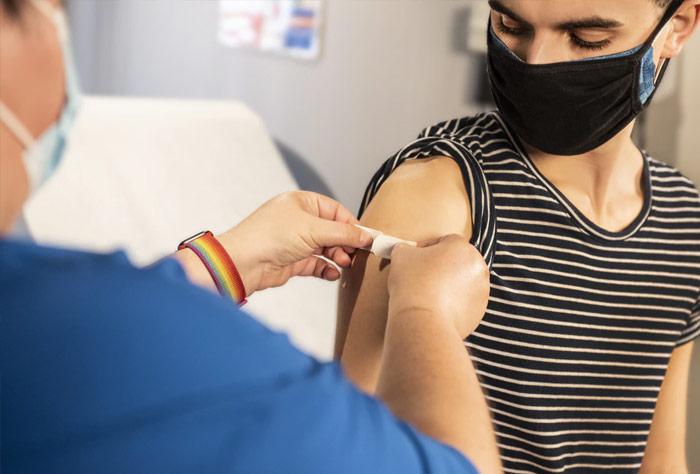 코로나 변이바이러스 확산… 2차 백신접종 독려