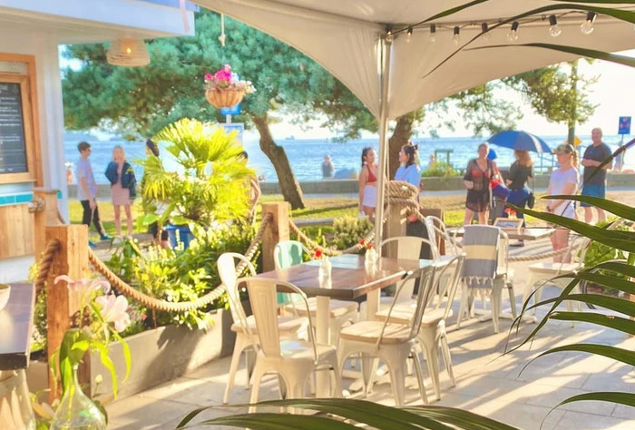 [DINING] 태평양과 해변을 바라보며 음식을 즐긴다