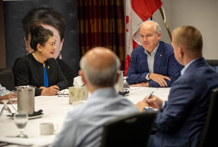 에린 오툴 보수당대표와 넬리 신 의원 밴쿠버간담회 개최